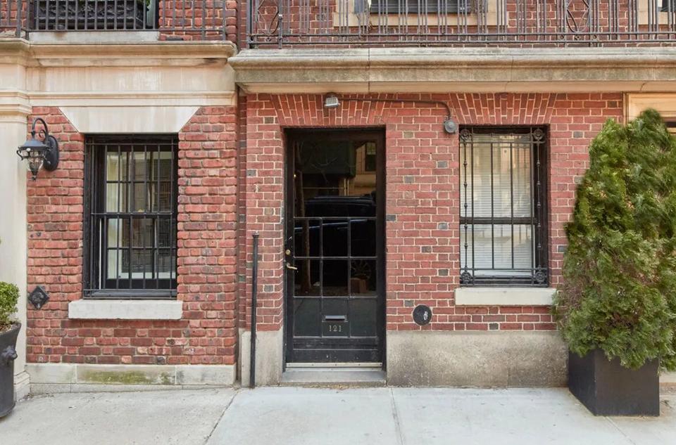 121 East 71st Street, Garden Flr New York, New York, 10021 United States